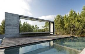 Vidro suaviza residência de concreto na Argentina