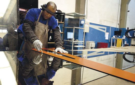 Corte de vidro: veja dicas importantes para o seu trabalho