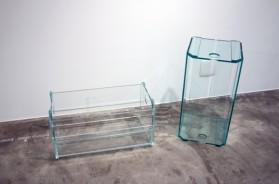Móveis de vidro? Conheça as peças que fazem parte de exposição em SP