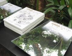 Glass11 cria caixa-espelho para lançamento de revista