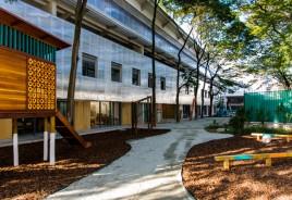 Após retrofit, galpão em São Paulo vira escola de alto padrão