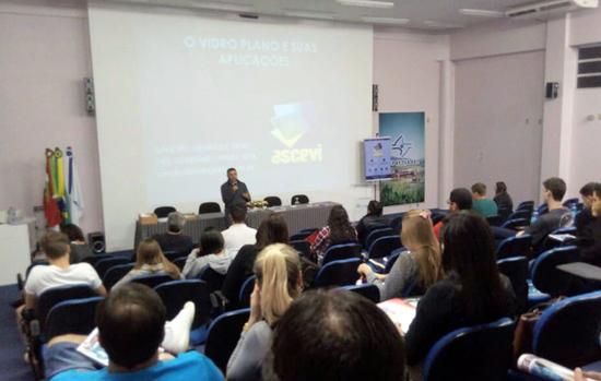 Ascevi-SC realiza palestra em universidade de Palhoça