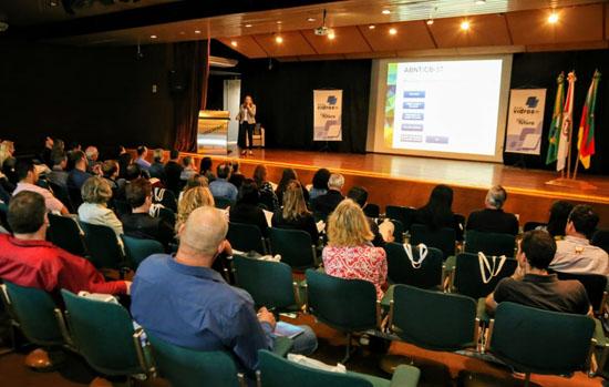 Sindividros-RS organiza palestra sobre normas técnicas