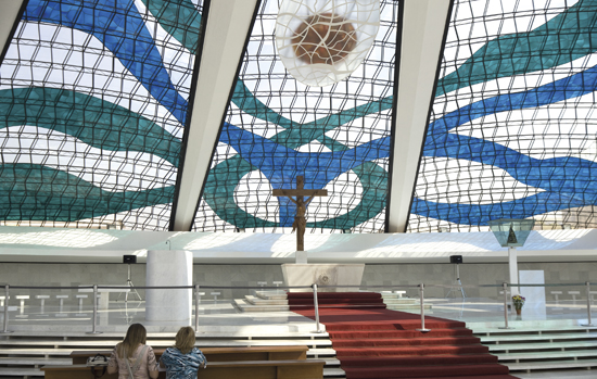 catedral-brasilia-vitrais
