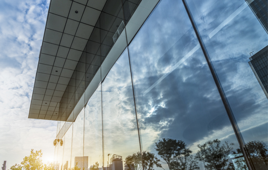5 dicas para instalar vidros de grandes dimensões