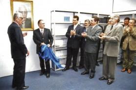 biblioteca-2000