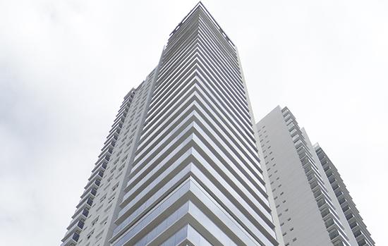 Pouca interferência visual: os sistemas garantem fidelidade ao design original dos edifícios, já que se caracterizam pela neutralidade